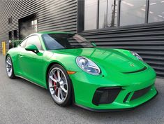 Porsche 991.2 GT3 painted in paint to sample Viper Green  Photo taken by: @ptsrs on Instagram
