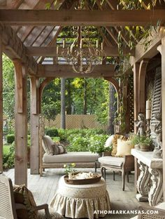 nice outdoor space. love the cover on the ottoman