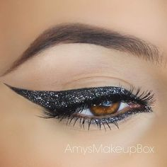 Black and Silver Glitter Eyeliner Look