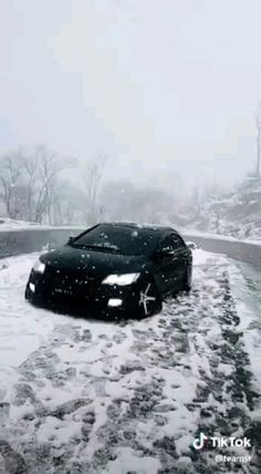 Civic honda reborn in snow Honda Sports Car, Best Gaming Setup, Radial Engine, Black King, Honda Civic Si, Sport Cars, Iphone Wallpaper, Bullet, Snow