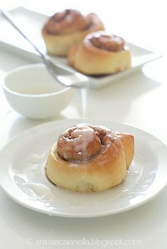 Cinnamon rolls Scones, Snack Recipes, Snacks, International Recipes, Doughnuts, Cinnamon Rolls, Essie, Appetizers, Treats