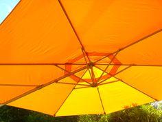 #sonnenschirm #leuchtend #garten Mit unseren Sonnenschirmen werden Deine Stunden im Freien zum Genuss.
