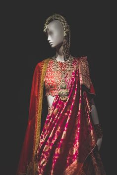 Ideas Anamika Khanna Bridal Lehenga Wedding For 2019 Bridal Lehenga, Saree Wedding, Wedding Wear, Wedding Attire, Wedding Dress, Bridal Outfits, Bridal Dresses, Indian Dresses, Indian Outfits