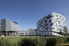 Hilton Amsterdam en aeropuerto de Schiphol por Mecanoo - FRACTAL estudio + arquitectura