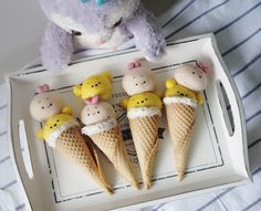 Pooh & Piglet ice cream cake pops by Agnes iing (@agnes_chii)