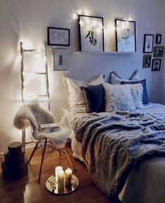 Cool 30 Amazing Boho Chic Bedroom Design Ideas. More at http://homenimalist.com/2018/04/06/30-amazing-boho-chic-bedroom-design-ideas/ #Bedroomdesignideas