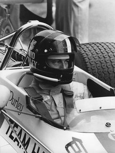 Le Mans, British Grand Prix, Speed Racer, F1 Drivers, Car And Driver, Motorcycle Helmets, Golf Clubs, Football Helmets, Race Cars