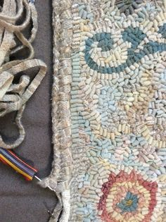Folk Embroidery Tutorial northwest folk design: The Designer in Me, Honors the Designer in You! Rug Hooking Designs, Rug Hooking Patterns, Folk Embroidery, Learn Embroidery, Rug Binding, Latch Hook Rugs, Hand Hooked Rugs, Penny Rugs, Diy Schmuck