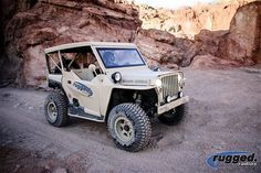 Rugged General001 - Love the mashup of a polaris and a jeep! Best of both worlds...