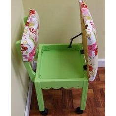 #10: Arrow Sewing Chair (Pistachio) (4004).
