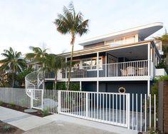Beach Bungalow in Sydney Goes Contemporary - http://freshome.com/beach-bungalow-sydney/