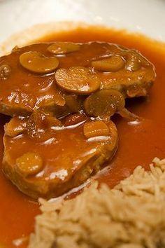 Côtelettes de porc à la Best | Doumdoum se régale! Pork Recipes, Cooking Recipes, Healthy Recipes, Healthy Food, How To Cook Beef, My Best Recipe, Pork Chops, Food To Make, Crockpot