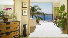 Relax in Waikiki in the Halekulani's Executive Luxury Suite