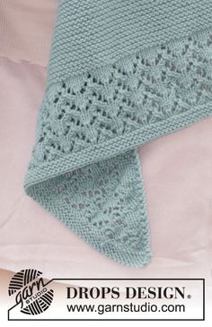 """Diandra / DROPS - Free knitting patterns by DROPS Design """"Diandra"""" – diagonal rectangle cloth by DROPS Design. Free instructions (in many different langua Baby Knitting Patterns, Lace Patterns, Lace Knitting, Knitting Stitches, Knitting Socks, Crochet Patterns, Drops Design, Knitted Shawls, Knitted Blankets"""
