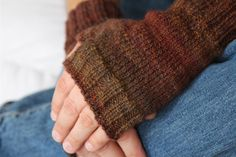 The Running Biology Of A Knitter: Free Pattern - Man Paws