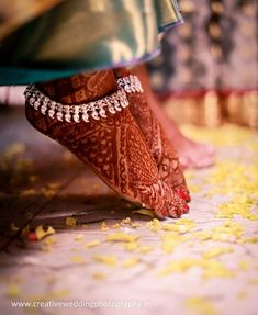 You sought for: anklets for girls! find to actually a very large number made by hand, vintage, and diverse items and gifts linked to your look. Silver Anklets, Beaded Anklets, Anklet Jewelry, Anklet Designs, Mehndi Designs, Compass Tattoo, Marriage Jewellery, Anklet Tattoos, Calf Tattoos