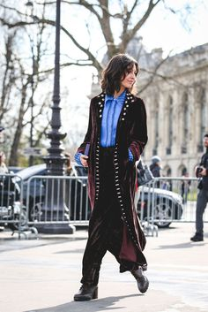 What The Street Style Stars Wore To Chanel's #FrontRowOnly Show #refinery29  http://www.refinery29.com/2016/03/105548/chanel-street-style-paris-fall-winter-2016#slide-41  Could robe coats be the new leather jacket?...