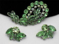 Vintage WEISS Peridot Rhinestone Aurora Borealis Pin Earrings SET