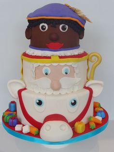 Onze eigen Sinterklaas, zwarte piet, Americo taart voor 5 december, met cadeautjes en wortels & suikerklontjes voor het paard!