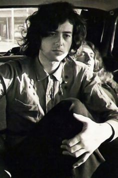 Jimmy & Robert ...this pic often has only Jimmy alone or has Jimmy and Bonzo to the left...this one has Percy:)