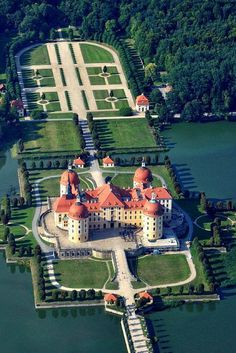 Beautiful Architecture, Beautiful Landscapes, Gothic Architecture, Ancient Architecture, Palaces, Germany Castles, Castle House, Luxury Homes Dream Houses, Formal Gardens
