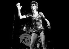 Ziggy Stardust: 40 años de invasión alienígena « Jot Down Cultural Magazine