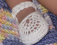 Booties Mary Janes for Baby Girl Crochet di ThePatternParadise