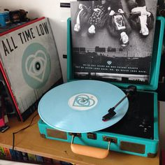 All time low future hearts vinyl All Time Low, All About Time, Future Hearts, Love Band, Record Players, Music Aesthetic, Record Collection, Band Merch, Pop Punk