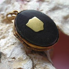 Victorian photo locket, onyx and gold filled, 1900s