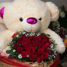 me ~ Best basket flower gift 52 Ideas Valentine Flower Arrangements, Beautiful Flower Arrangements, Floral Arrangements, Valentines Day Baskets, Valentines Flowers, Valentine Nails, Valentine Ideas, Flower Box Gift, Flower Boxes