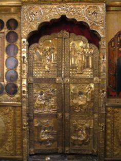 Kremlin cathedral door - Russia.