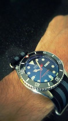 My Seiko SKX007-J mod. Double dome blue AR crystal. Mercedes hands, trident seconds and Black Sub ceramic bezel insert.