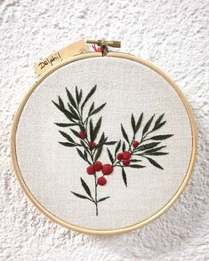 Grand Sewing Embroidery Designs At Home Ideas. Beauteous Finished Sewing Embroidery Designs At Home Ideas. Hand Embroidery Patterns Free, Embroidery Leaf, Embroidery Transfers, Hand Embroidery Stitches, Silk Ribbon Embroidery, Embroidery Techniques, Cross Stitch Embroidery, Hand Stitching, Brazilian Embroidery