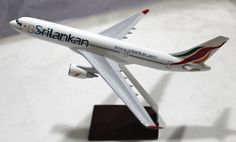 Srilankan Airlines Airbus A330 airplane Display Model A330 1:300