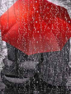 Romance in the rain under the red umbrella Rainy Mood, Rainy Night, Rainy Days, Rainy Weather, I Love Rain, No Rain, Walking In The Rain, Singing In The Rain, Arte Black