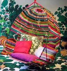 Hanging chair. Colorful yarn.