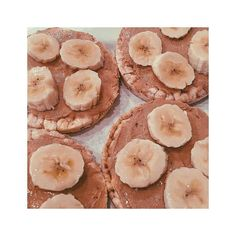 My favourite breakfast of ALL TIME. @meridianfoods Cashew Butter with Banana on Corn Cakes. The perfect fuel for my @psyclelondon #SundayService 9am & first of my BRAND NEW PSYCLE 60mins #SundayService 1pm @ Canary Wharf! Cannot WAIT!!!!!!  #psycle #psyclelondon #breakfast #fitfood #gym #joblove #eatclean #cleaneating #nutrition #fitness #fitnessmotivation #fitfam #fit #fitspo #fitspiration #muscle #workout #personaltrainer #pt #exercise #training #bbg #strong #thisgirlcan #gains…