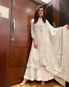 Designer dresses indian - Karishma Tanna Raises The Heat By Making A Splash In Her Latest Bikini Photoshoot Pakistani Dress Design, Pakistani Outfits, Indian Wedding Outfits, Indian Outfits, Indian Wedding Dresses Traditional, Indian Party Wear, Bridal Outfits, Indian Attire, Indian Ethnic Wear
