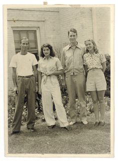 Jacqueline Kennedy Onassis, Jaqueline Kennedy, Los Kennedy, Lee Radziwill, Picnic Outfits, John Fitzgerald, Old Love, Young Couples, Queen