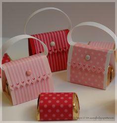 Chocolate purses for valentines Valentine Box, Valentine Crafts, Holiday Crafts, Candy Crafts, Paper Crafts, Cute Gifts, Diy Gifts, Paper Purse, Craft Show Ideas