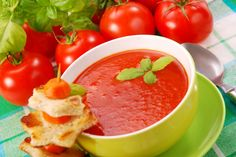 How to make a super tasty tomato soup? This recipe puts forward a simple way of making a tomato soup. Tomato Soup Ingredients, Tomato Soup Recipes, Cooking Bowl, Soup Dish, Portuguese Recipes, Portuguese Food, Recipe Sites, Recipe Collection, Great Recipes