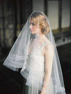 Bridal Portraits in a European Cathedral | Photos by Elena Pavlova