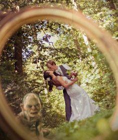 Gollum wedding photobomb...this is precious