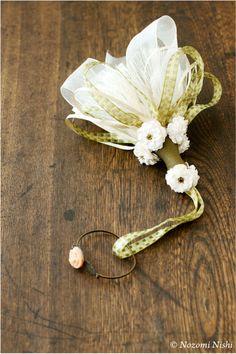バラのタッセル   3種類のリボンをループにしたふんわりとしたスカートフリンジと八重咲きのバラで大人かわいいタッセルに。    品 名  バラのタッセル…