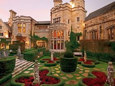 Tudor, San Francisco, California with the essence of an old French or English summer home. Stay Luxus - Luxury Hospitality - Beautiful, Classy Home Exterior - Elegant Garden - Outdoor Patio Mansion Homes, Dream Mansion, Dream Houses, Luxury Life, Luxury Living, Luxury Homes, Luxurious Homes, Luxury Mansions, Mega Mansions