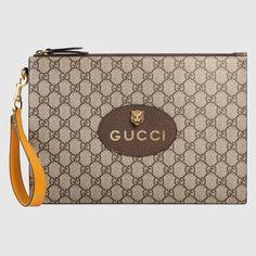 Gucci Neo Vintage TÄschchen Aus Gg Supreme In Beige Gucci Pouch, Gucci Store, Small Messenger Bag, Gucci Gifts, Supreme, Leather Espadrilles, Vintage Stil, Gucci Handbags, Gucci Bags