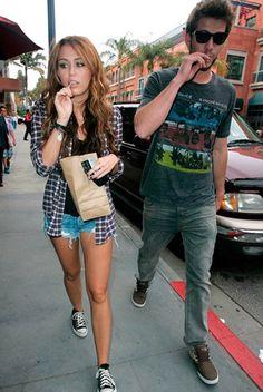 19x dat Miley Cyrus en Liam Hemsworth het mooiste koppel ooit waren | ELLE