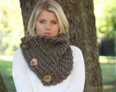 Scarf With Buttons Chunky Knitted Neck Warmer by crochetgallery Diy Top, Beanie, Dreadlocks, Crochet Buttons, Most Popular Videos, Crochet World, Poncho, Crochet Scarves, Neck Warmer