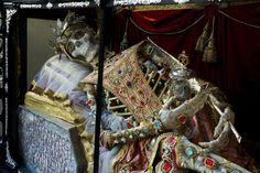 St. Munditia (Munich, Germany) | 19 Bejeweled Skeletons That'll Blow Your Mind