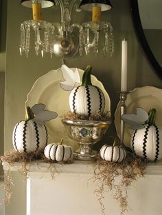Paint your pumpkins, hot glue ric-rac and sprinkle with moss. Love this idea for Halloween Halloween Pumpkins, Halloween Crafts, Halloween Decorations, Halloween Ideas, Classy Halloween, Happy Halloween, Halloween Party, Halloween 2014, Halloween Mantel